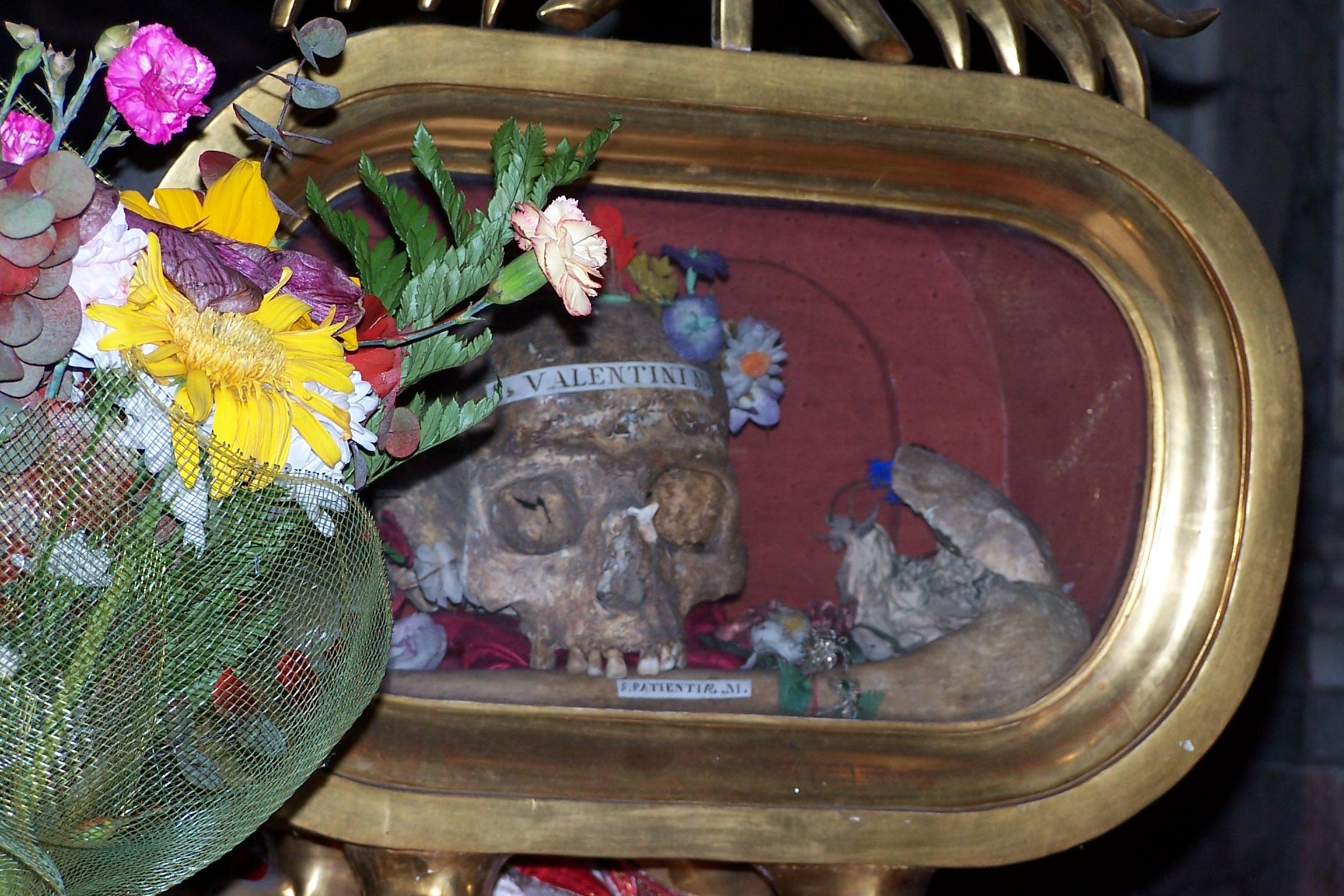 Rom, Santa Maria in Cosmedin, Reliquien des Hl. Valentin