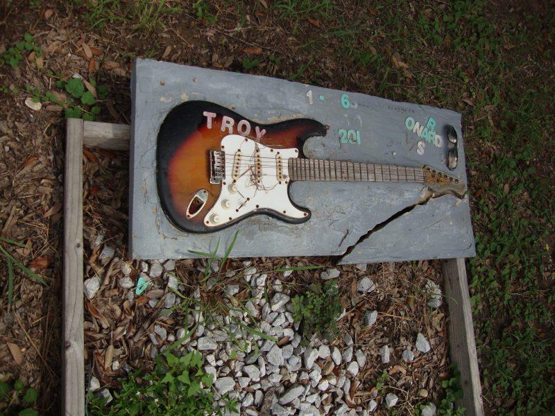 Troy_Guitar_Holt_Cemetery