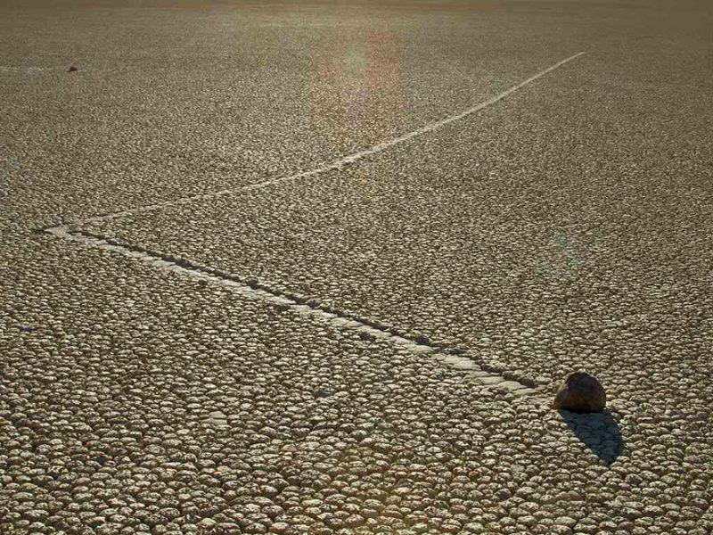 sailing-stones-02