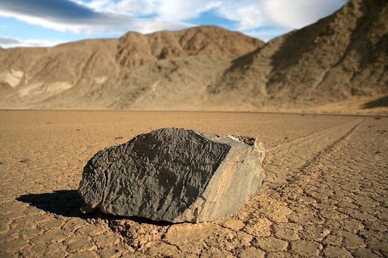 sailing-stones-death-valley-2[2]