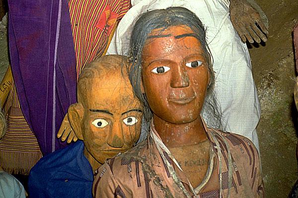 Tana-Toraja-effigies-Sulawesi