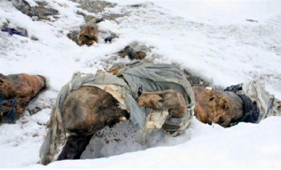 Dead-bodies-on-Mount-Everest_10