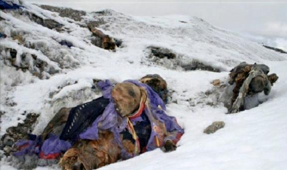 Dead-bodies-on-Mount-Everest_11