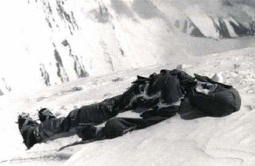 Dead-bodies-on-Mount-Everest_13
