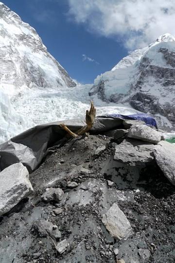 Dead-bodies-on-Mount-Everest_14