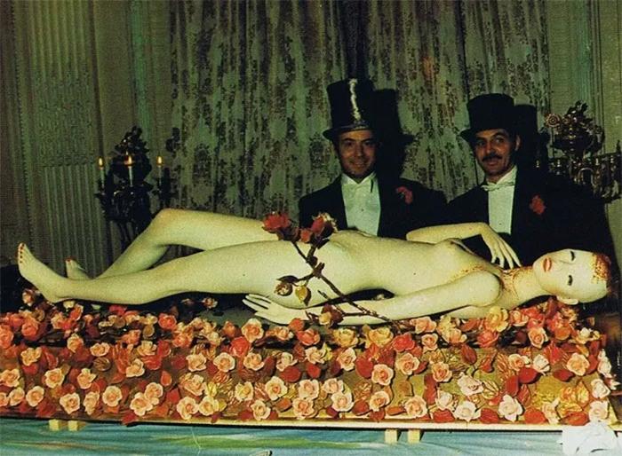 surrealist-table2