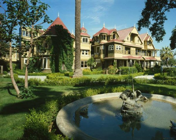 Winchester_House_910px