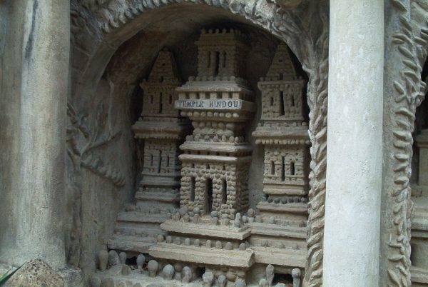 Facteur_Cheval_-_Temple_hindou