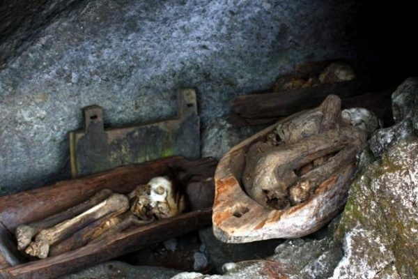 Smoked-Mummies-of-the-Kabayan-Caves