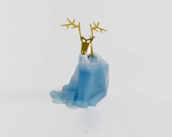 melting-reindeer-skeleton-candles-426
