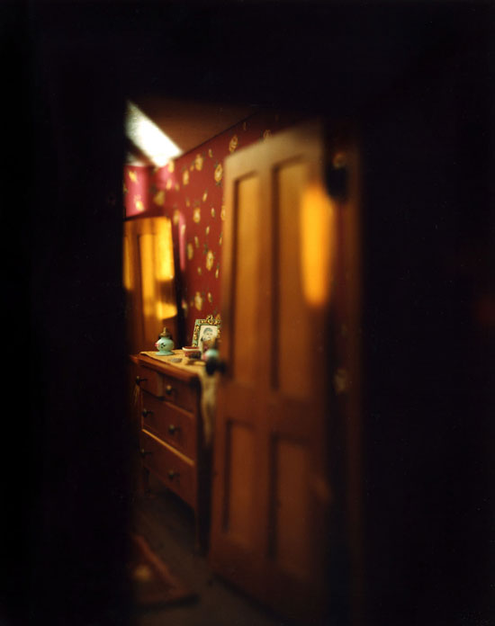 Red-Bedroom-(doorway)